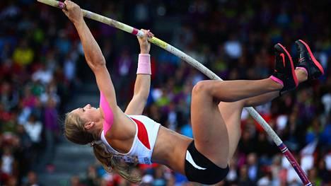 Kira Grünberg hyppäsi Itävallan ennätykseksi 445 vain muutama kuukausi ennen kohtalokasta onnettomuuttaan.