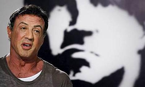 Sylvester Stallonen haaveena on ajaa David Beckhamia takaa viidakossa.