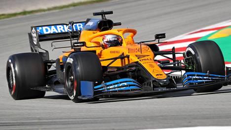 Carlos Sainz McLarenin puikoissa helmikuun testeissä Barcelonassa.