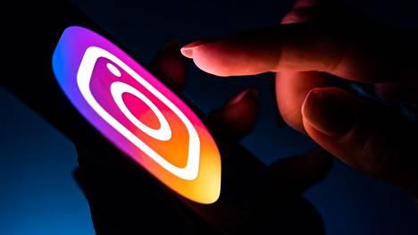 Facebookia vaaditaan luopumaan suunnitelmista tuoda lapsille oma versio Instagramista.