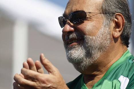 Carlos Slimin rautainen monopoliote Meksikon telemarkkinoista on käynyt kalliiksi meksikolaisille. Uusien lakien odotetaan säästävän asukkaille 1,5 miljardia dollaria vuodessa.