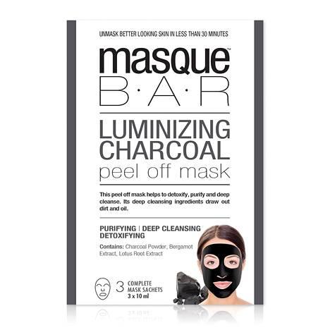Syväpuhdistava peel-off naamio kuorii iholta lian ja rasvan ja sisältää hibiscusta. Masque Bar Luminizing Charcoal Peel Off Mask, 9,90 € / 3 kpl, Oletkaunis.fi.