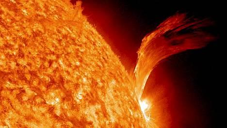 Helmikuussa 2010 Aurinkoa kiertävälle radalle lähetetty SDO-satelliitti tutkii auringonpurkauksia viiden vuoden ajan.