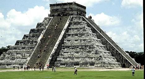 Mayakulttuurin mahtavin muistomerkki on Chichen Itza, joka sijaitsee Meksikossa.