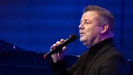 Jari Sillanpää konsertoi Joensuussa Carelia-salissa marraskuun puolivälissä.
