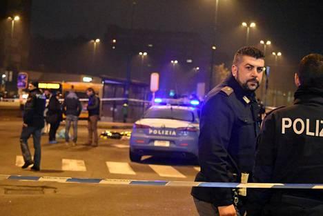 Anis Amrin ampumispaikka Milanon Sesto San Giovannissa.
