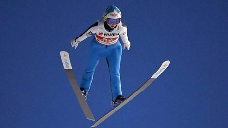 Jenny Rautionaho kuvattuna Oberstdorfin MM-kisoissa.