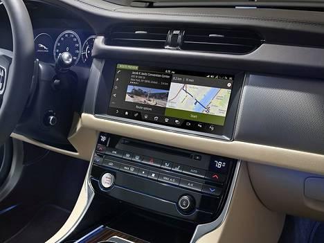 Here-kartat Jaguarissa.
