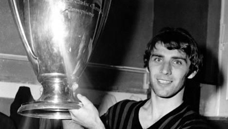 Pierino Prati teki hattutempun, kun AC Milan päihitti Ajaxin 4–1 vuonna 1969 pelatussa Euroopan cupin loppuottelussa.