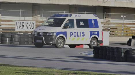 Poliisi oli paikalla tapahtuneen jälkeen.