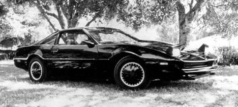 KITT - Ritari Ässän ihmeauto oli kaikkea sitä, mitä autot ovat nykyään ja enemmänkin.