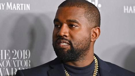 Kanye West ilmaisi närkästyneensä siitä, ettei Forbes luokitellut miestä miljardööriksi.