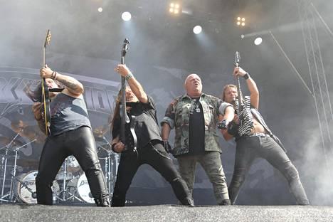 Dirkschneider-bändi (vasemmalta oikealle): Bill Hudson, Fitty Wienhold, Udo Dirkschneider ja Andrey Smirnov.