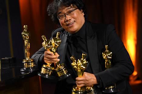 Eteläkorealaisen Bong Joon Hon ohjaama Parasite kahmi Oscareita.