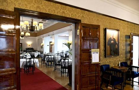 Pörssiklubin aula ja ravintola.