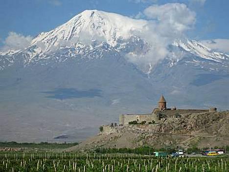 Khor Virapin vuoristolta avautuvat upeat näkymät Ararat-vuorelle.