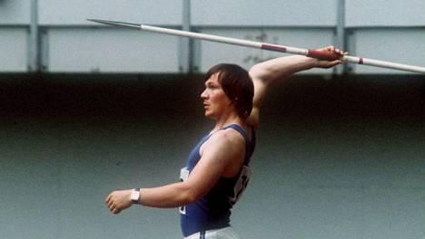 Hannu Siitonen valmistautumassa suoritukseensa Montrealin olympiastadionilla 1976.