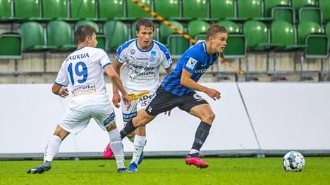 """Elias Mastokangas, 19, nousi FC Interin avaukseen – yhteen asiaan hän ei ole vielä tottunut: """"Kyllä siinä kylmät väreet aina menee"""""""