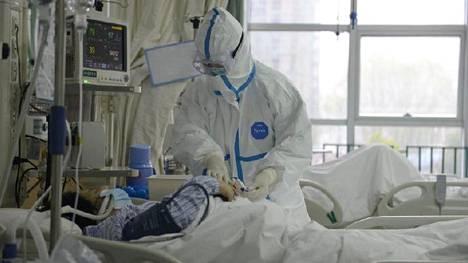 Potilas hoidettavana Wuhanin keskussairaalassa Kiinassa. Koronaviruksen arvioidaan lähteneen liikkeelle Wuhanista.