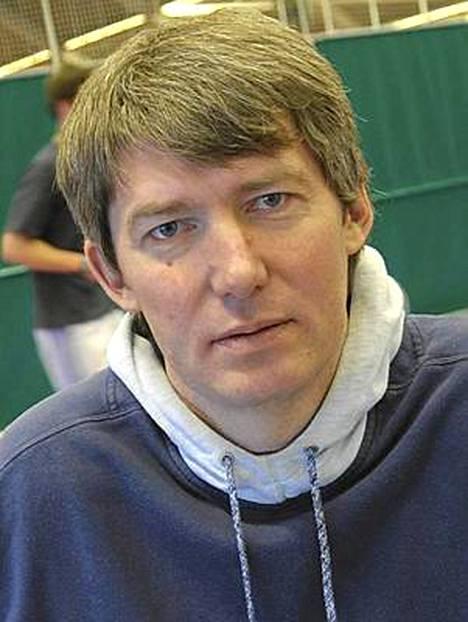 Eduard Hämäläinen ryhtyy 10-ottelun lajikouluttajaksi.
