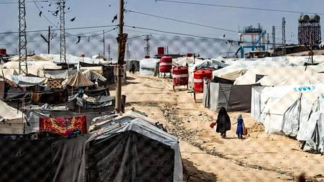 Helsingin Sanomien tietojen mukaan naiset palasivat Suomeen noin vuosi sitten, päästyään omatoimisesti pois al-Holin leiriltä Syyriasta.