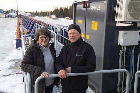 Lea ja Juha Kokkonen omistavat sahan, jonka Lean isä perusti jo vuonna 1956.