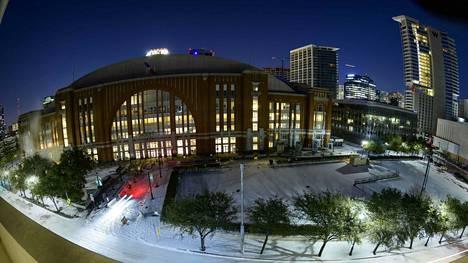 Kuvassa Dallasin kotiareena American Airlines Center.