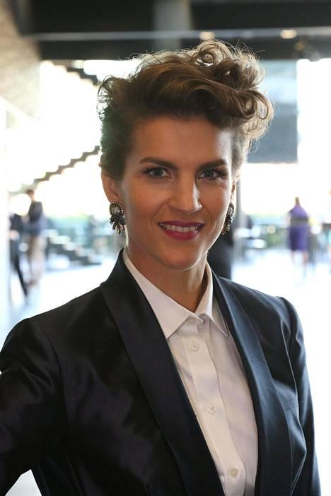 Ruotsin kuninkaallisillekin kahdesti laulanut Maria Ylipää jännittää eniten esiintymistä sukulaisilleen ja tutuille kollegoille. –Silloin haluaisi pystyä parhaimpaansa ja hyvään suoritukseen sellaisten ihmisten edessä, joita arvostaa, Maria sanoo.