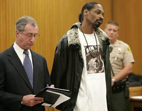 Snoop Dogg oli hiljaista poikaa keskiviikkona oikeudessa kuunnellessaan tuomiotaan.