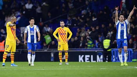Barcelona jäi tasapeliin paikallisottelussa.