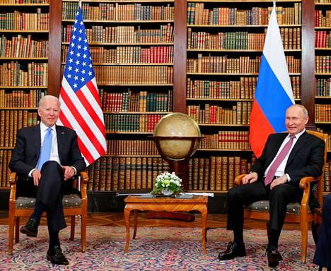 Joe Biden ja Vladimir Putin keskustelivat noin kolmen tunnin ajan Sveitsissä järjestetyssä huippukokouksessa.