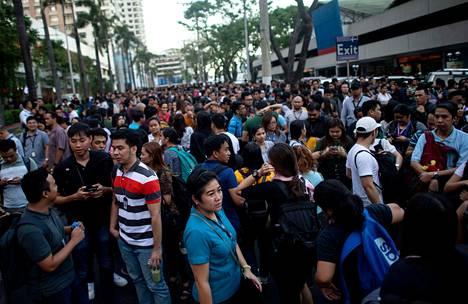AFP:n mukaan pääkaupunki Manilassa talot ovat tärisseet ja rakennuksia on evakuoitu.