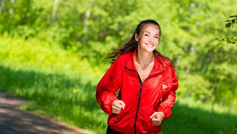 Kuluta kaloreita lenkillä tai rappusissa juosten.