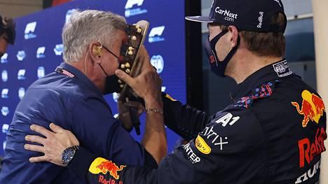 Kakkua sankarille! Max Verstappen yllätti David Coulthardin.