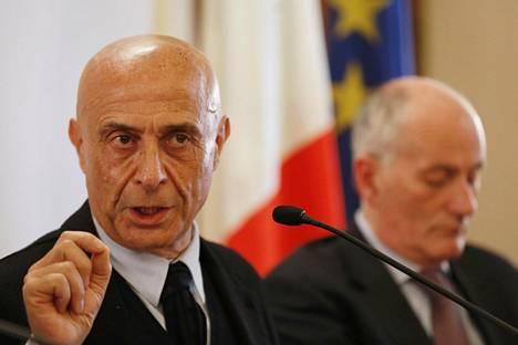 Italian sisäministeri Marco Minniti tiedotustilaisuudessa 23.12.2016.