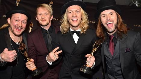 Duusonit nappasivat tuplavoiton Kultainen Venla -gaalassa viime tammikuussa. Venla tuli parhaasta tv-ohjelmasta (Posse) ja parhaan reality-ohjelman palkinnosta (Duudsonit tuli taloon)