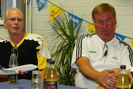 Vuosina 2002–2004 Matti Hagman (oik.) valmensi Kirkkonummen Salamia Suomi-sarjassa ja Mestiksessä.