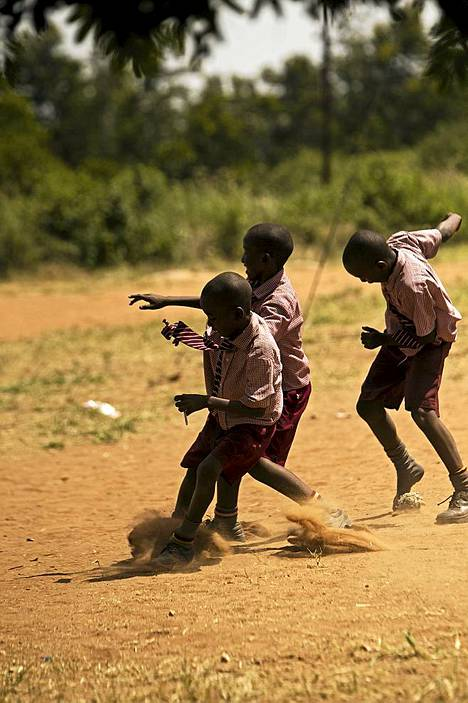 Kun lapset saavat käydä koulua, unelma paremmasta elää.