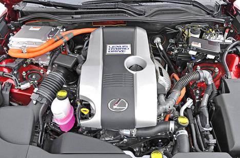 Hybridin ytimenä toimii 2,5-litrainen, Atkinson-kiertoa hyödyntävä bensiininelikko.