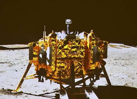 Vuonna 2013 Chang'e 3 oli Kiinan ensimmäinen luotain, joka onnistui laskeutumaan Kuuhun.