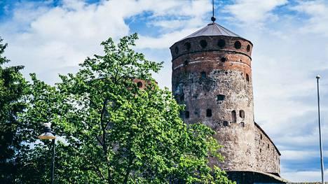Keräsimme yhteen ulkomaalaisten toteamuksia ja huomioita Suomesta. Yksityiskohta Savonlinnan oopperajuhlilla ihmetytti naisia, kertoo lukija.