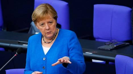 Liittokansleri Angela Merkel puhui Saksan liittopäivillä Berliinissä keskiviikkona.