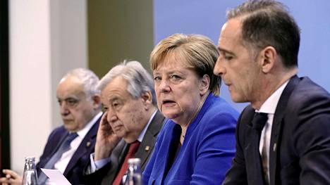 YK:n Libyan-erikoislähettiläs Ghassan Salame, YK:n pääsihteeri Antonio Guterres, Saksan liittokansleri Angela Merkel ja Saksan ulkoministeri Heiko Maas.