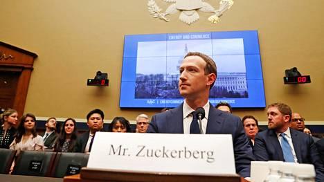 Facebookin perustaja ja toimitusjohtaja Mark Zuckerberg oli huhtikuussa Yhdysvaltojen senaatin kuultavana Cambridge Analytica -skandaalin takia.