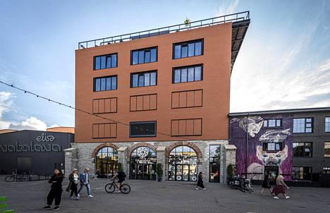 Henna Mikkilän mielestä Tallinnan Fotografiska menee arkkitehtuurinsa puolesta jopa Tukholman Fotografiskan ohi.