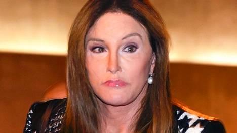 Caitlyn Jenner on nähty aikaisemmin tosi-tv-sarjoissa Keeping up with the Kardashians ja I am Cait.
