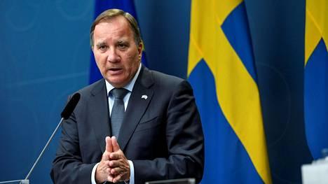 Ruotsin pääministeri Stefan Löfven tiedotustilaisuudessa Tukholmassa 30. kesäkuuta 2020.
