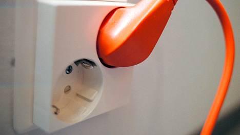 Helen nostaa lokakuun alusta lähtien sähkön hintaa 11 prosenttia.