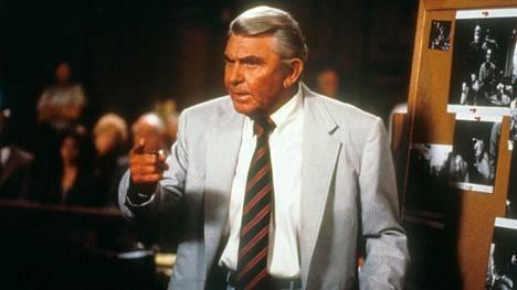 Andy Griffith tunnetaan omaa nimeään kantaneesta show'sta, sekä Matlock-sarjasta, jota esitettiin vuosina 1985-1995.