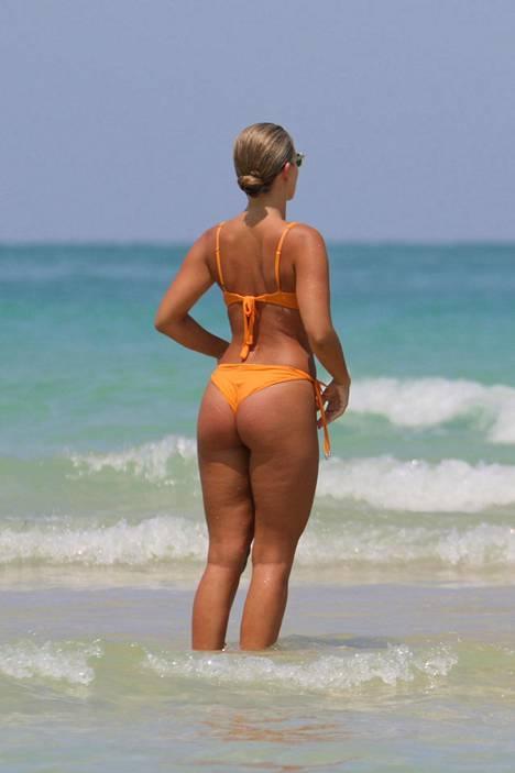 A Bikini a Day -bikinibloggaaja Natasha Oakley Miami Beachilla.